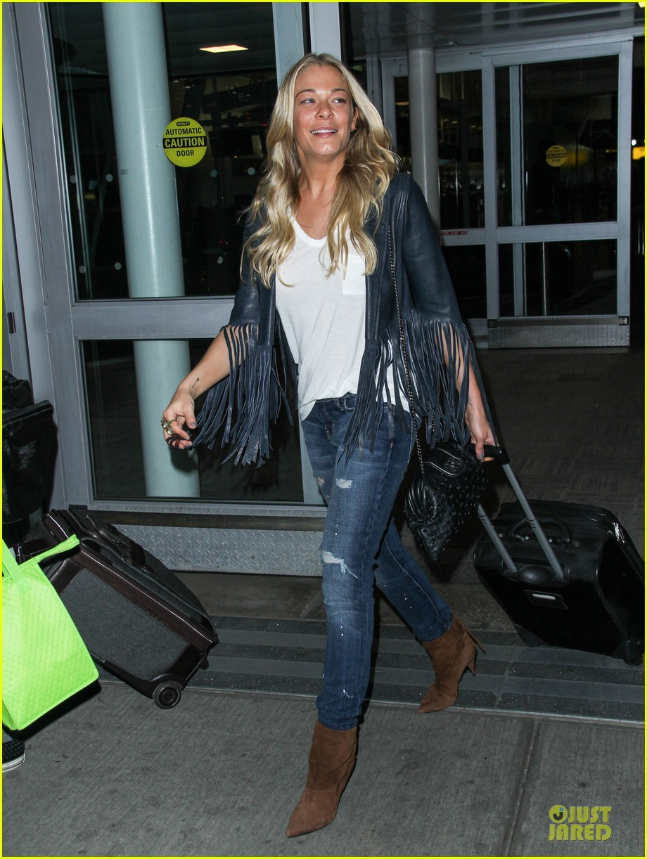 leann rimes eddie cibrian denim pair in nyc 013117944