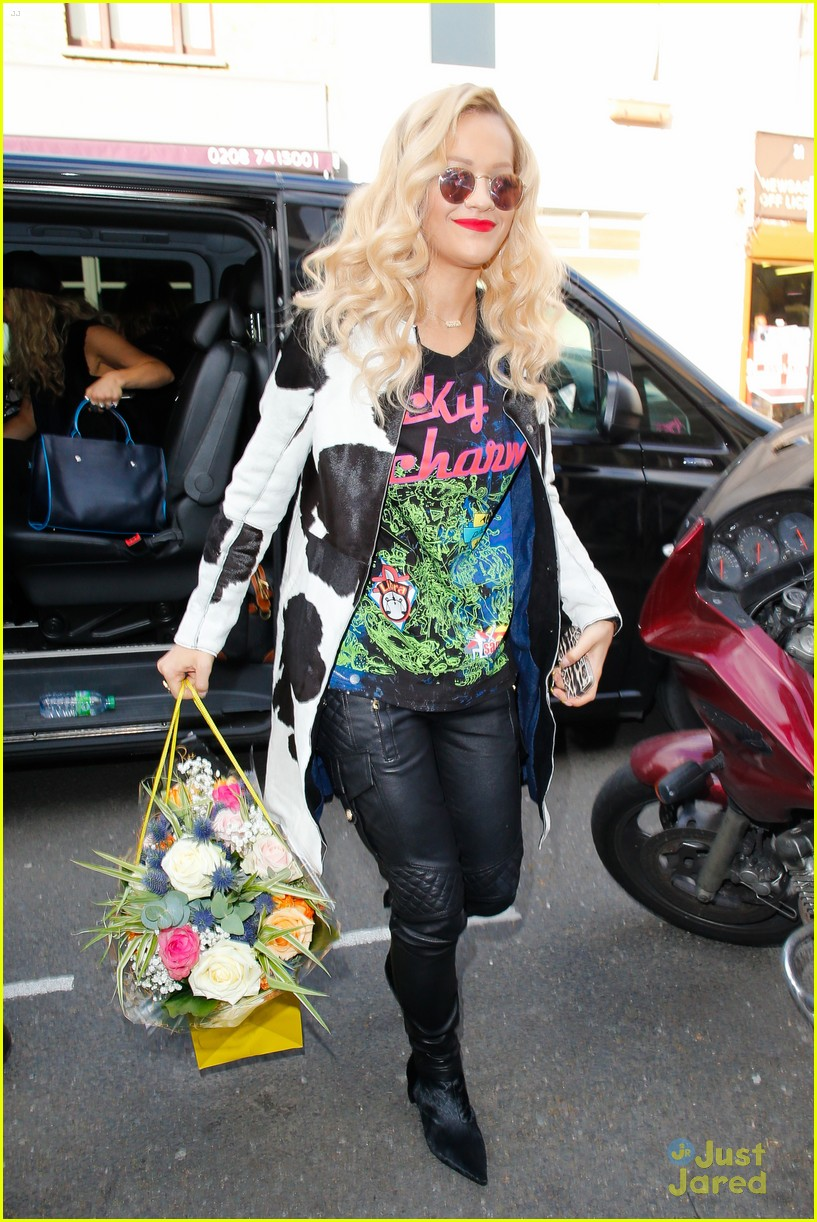 rita ora basket flowers pink dress 06