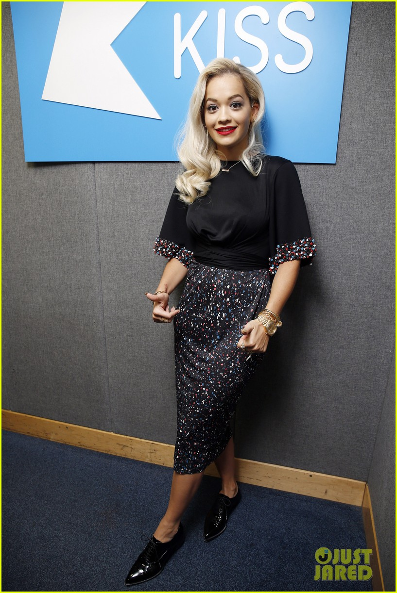 rita ora celebrates no 1 single topless 15