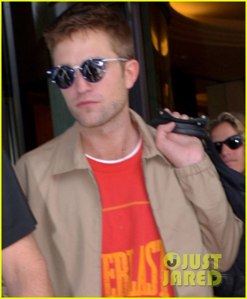 robert pattinson cannes best place promote films 023118845