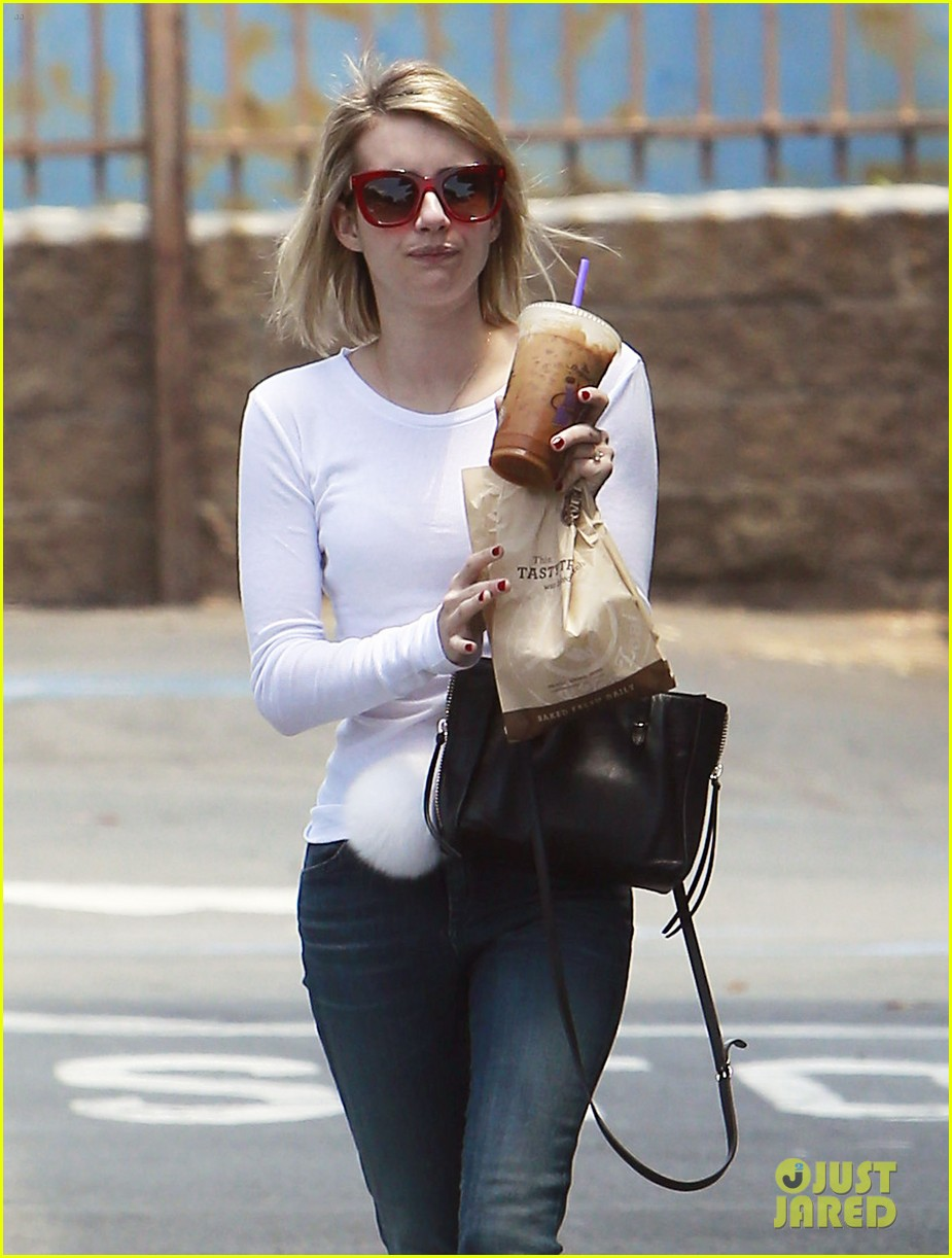 emma roberts ghosts evan peters phone 013120943