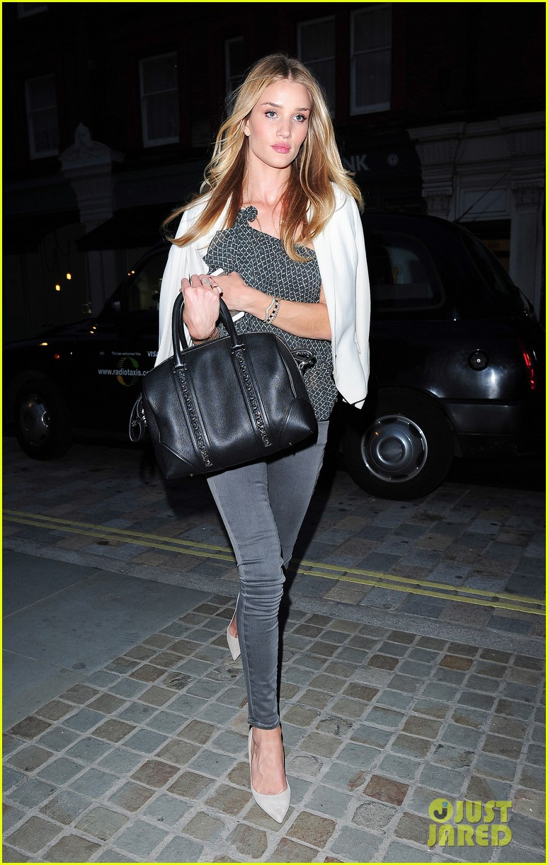 rosie huntington whiteley suki waterhouse chiltern firehouse 083124476