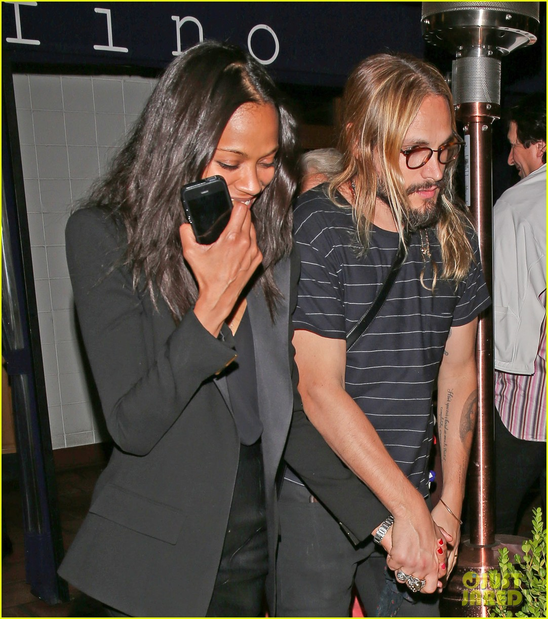 zoe saldana cannot contain her giggles out with marco perego 02