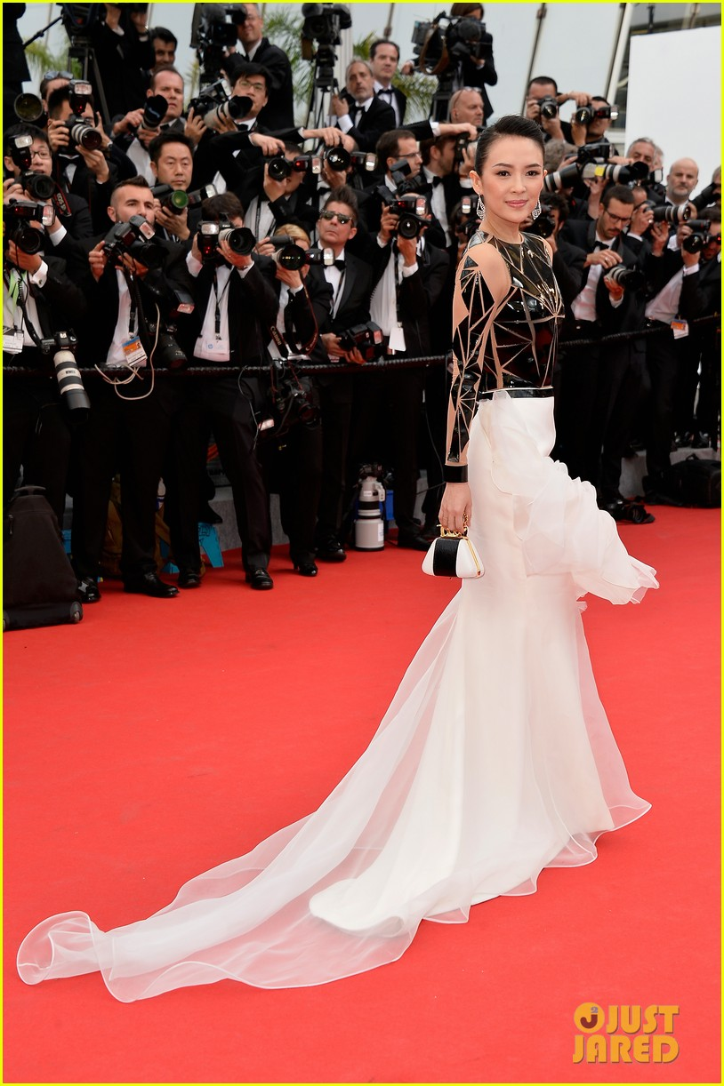zoe saldana ziyi zhang epitomize class at cannes opening ceremony 06