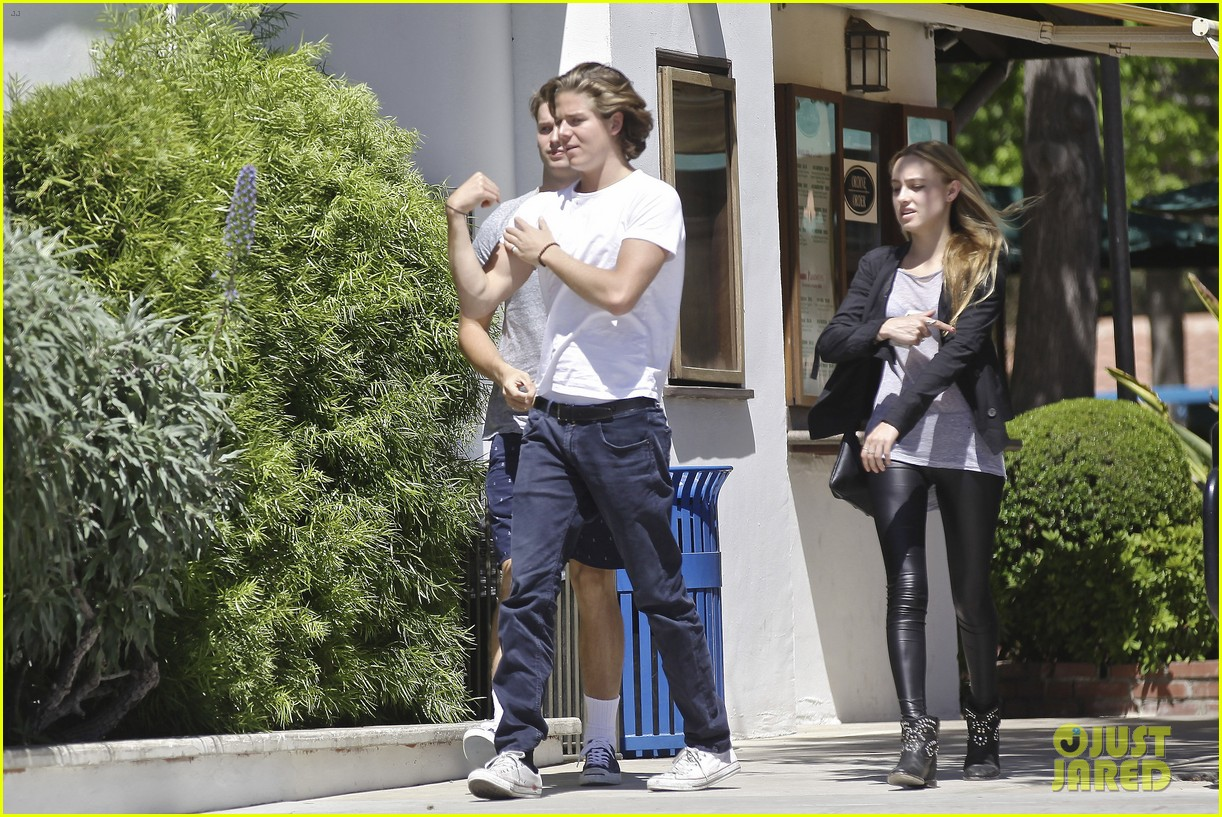 patrick schwarzenegger lunches in malibu with girlfriend tootsie burns 143113414