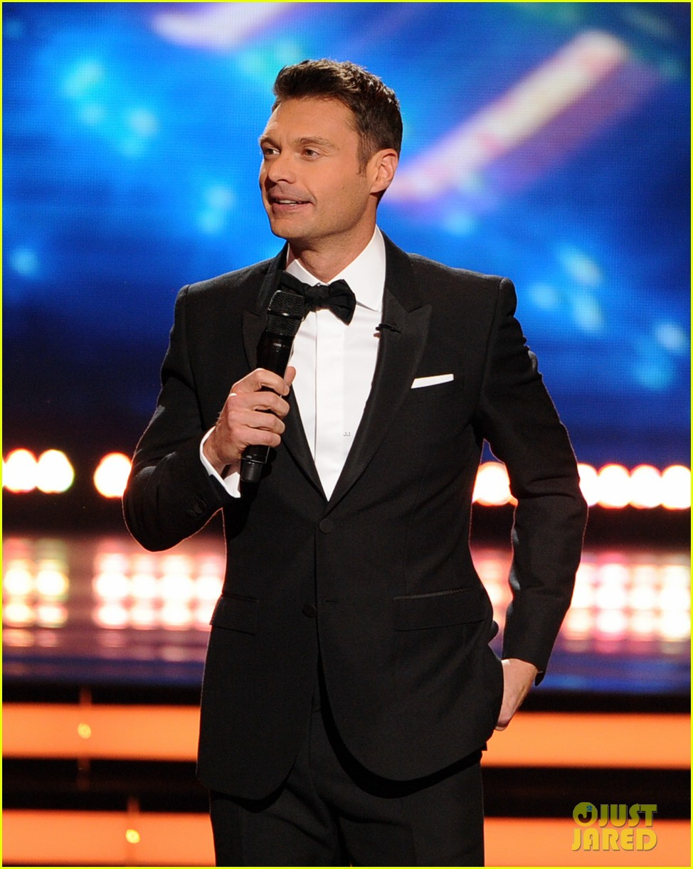 ryan seacrest sings on american idol finale watch now 01