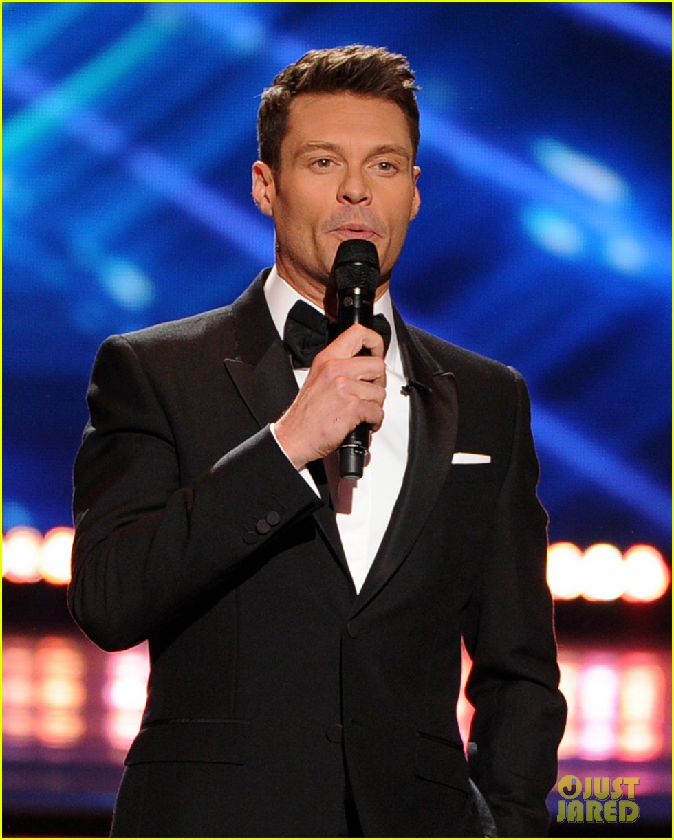 ryan seacrest sings on american idol finale watch now 03