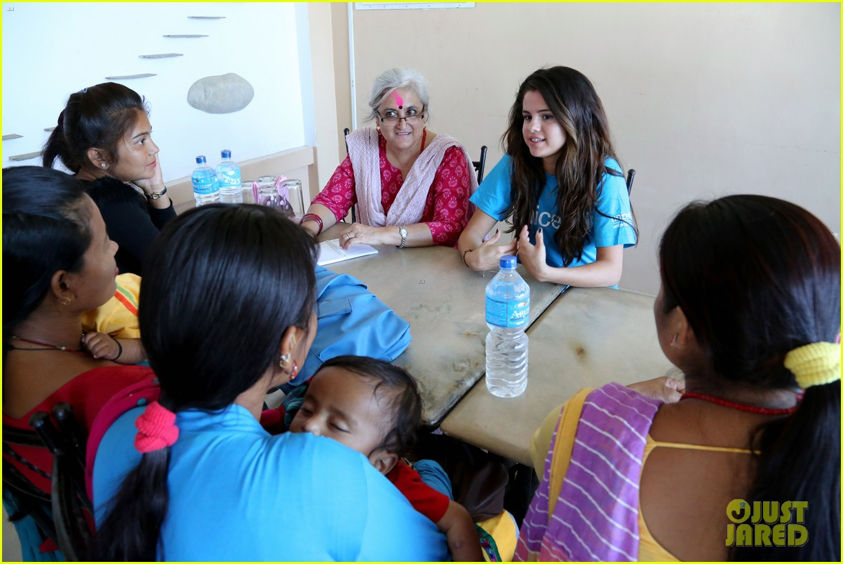 selena gomez travels nepal photos 02