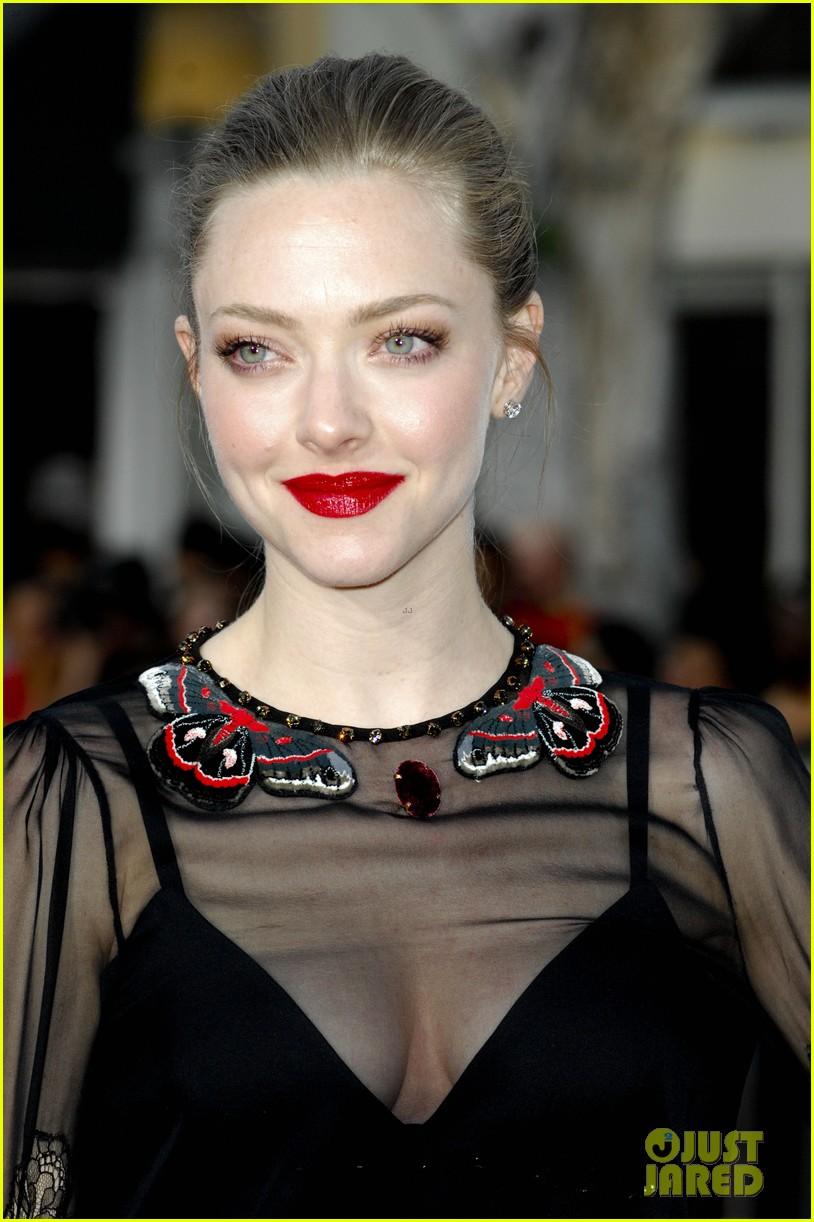 amanda seyfried million ways to die in the west premiere 11