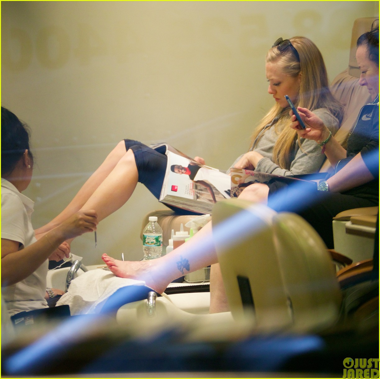 amanda seyfried treats herself to a spa day443120811