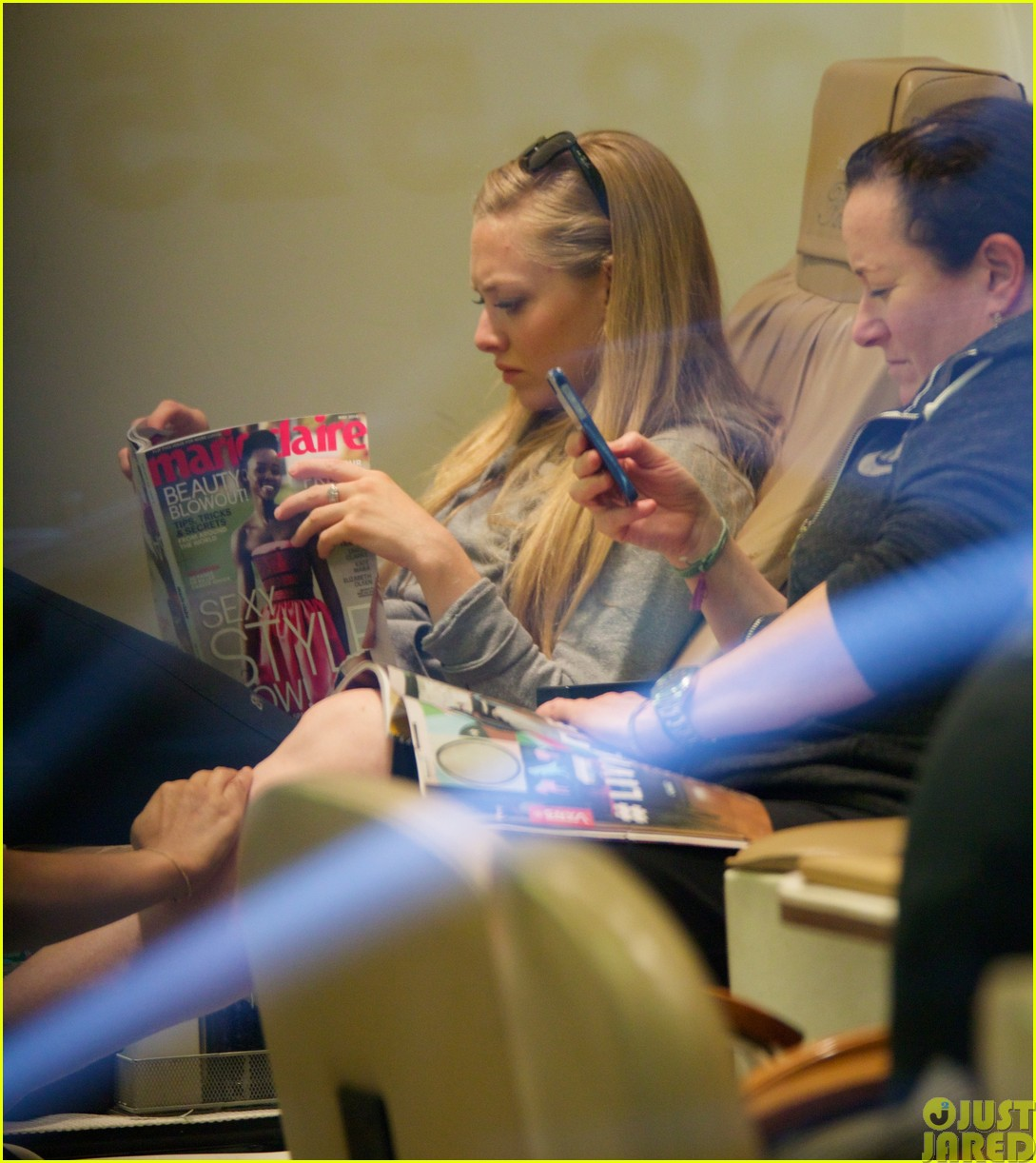 amanda seyfried treats herself to a spa day46