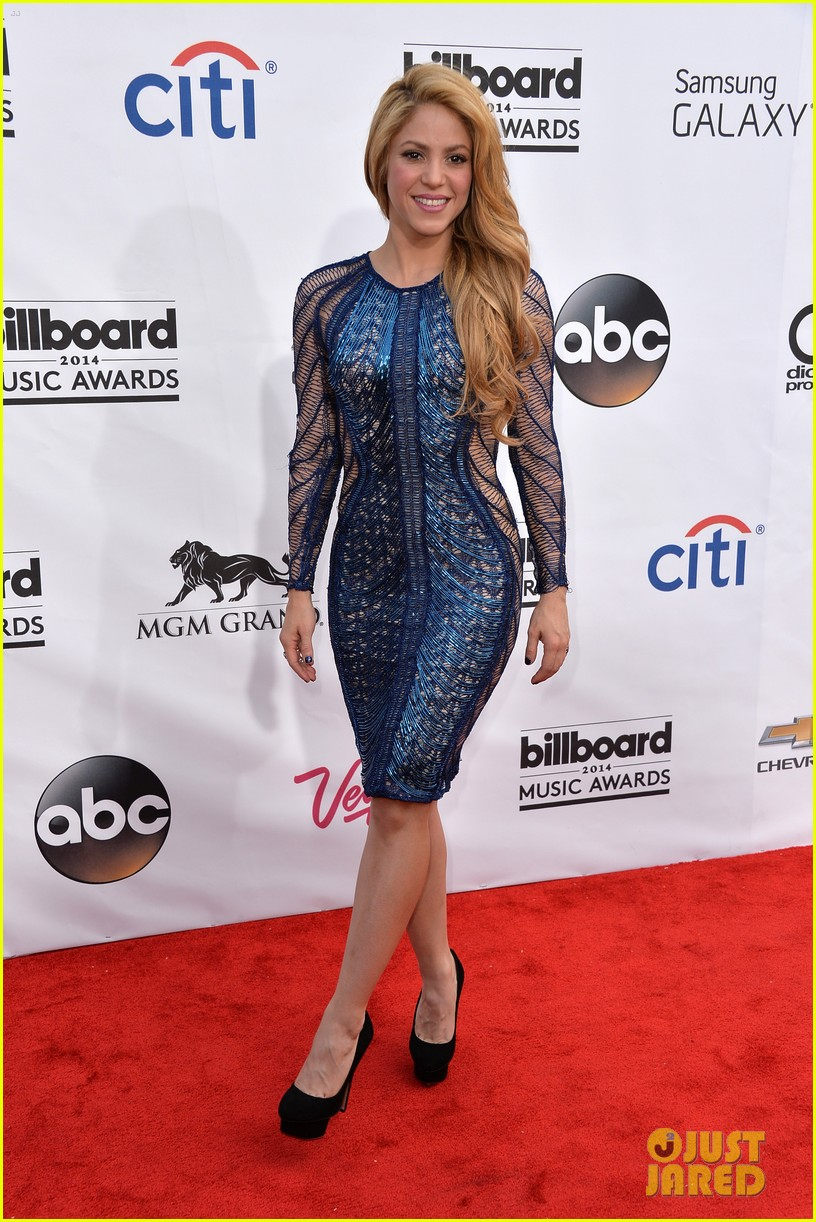 shakira billboard music awards 2014 red carpet 04