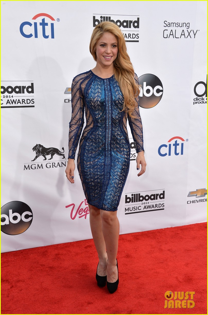 shakira billboard music awards 2014 red carpet 05