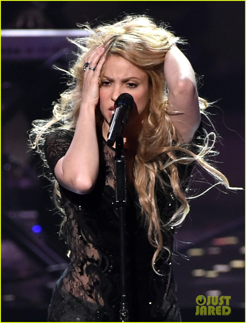 shakira iheartradio music awards 2014 11