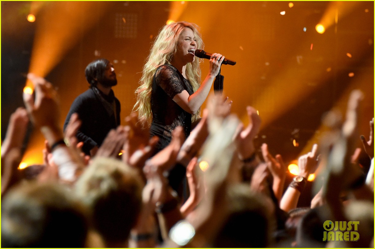 shakira iheartradio music awards 2014 19