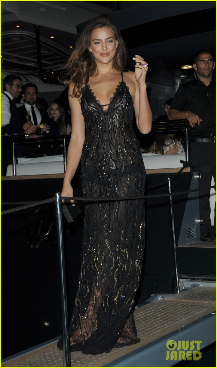 irina shayk green goddess at search premiere cannes 18