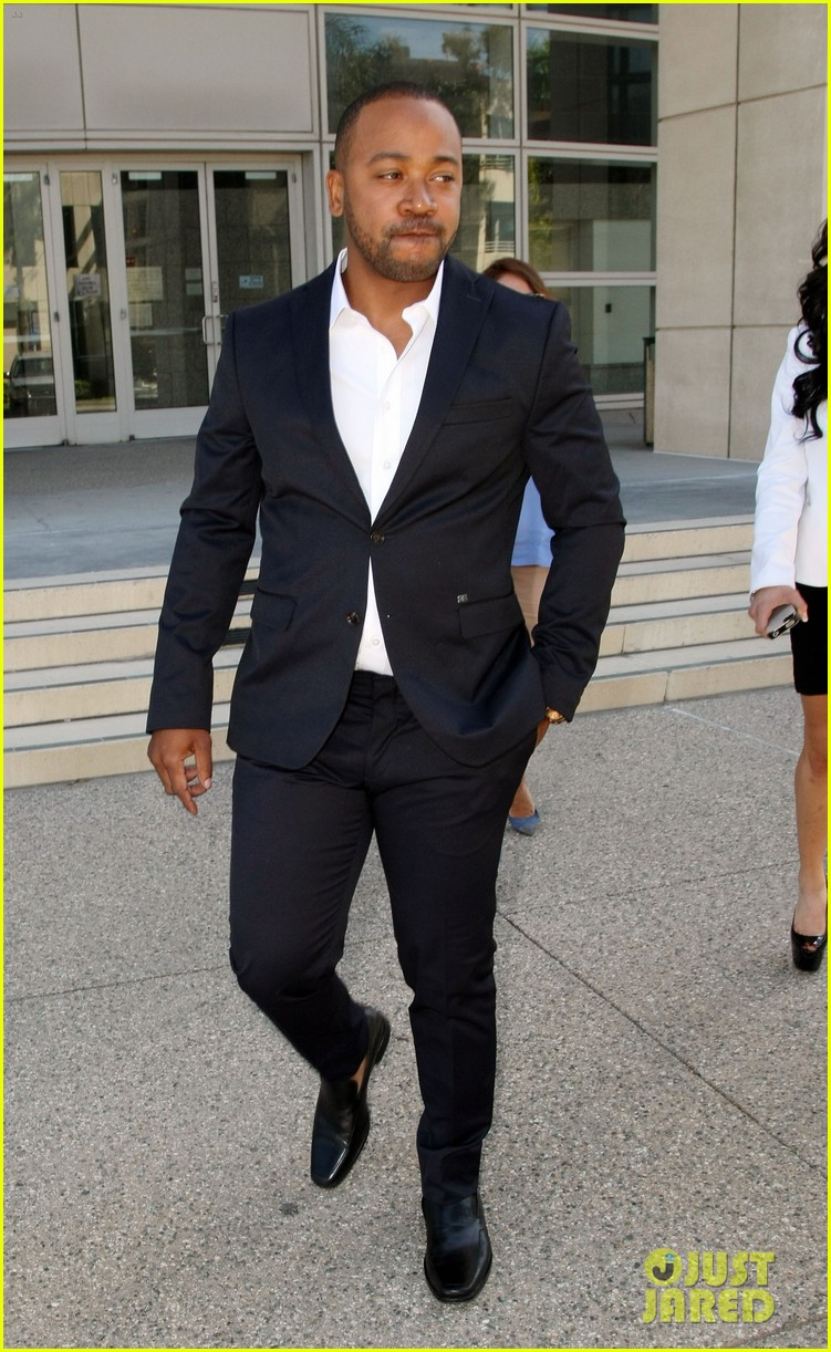 columbus short pleads not guilty to felony battery 03