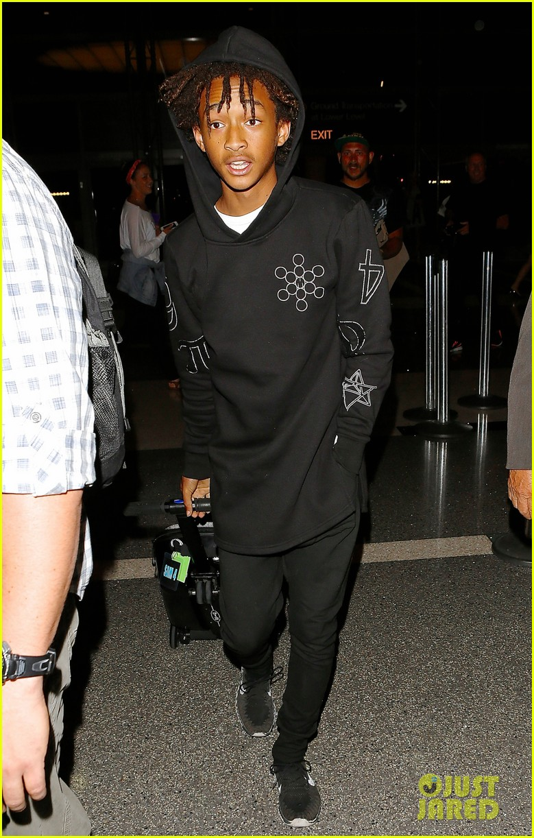 jaden smith flies out of town 173120498
