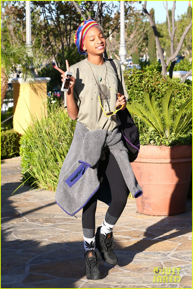willow smith wears socks with marijuana leaf on the front 053102952