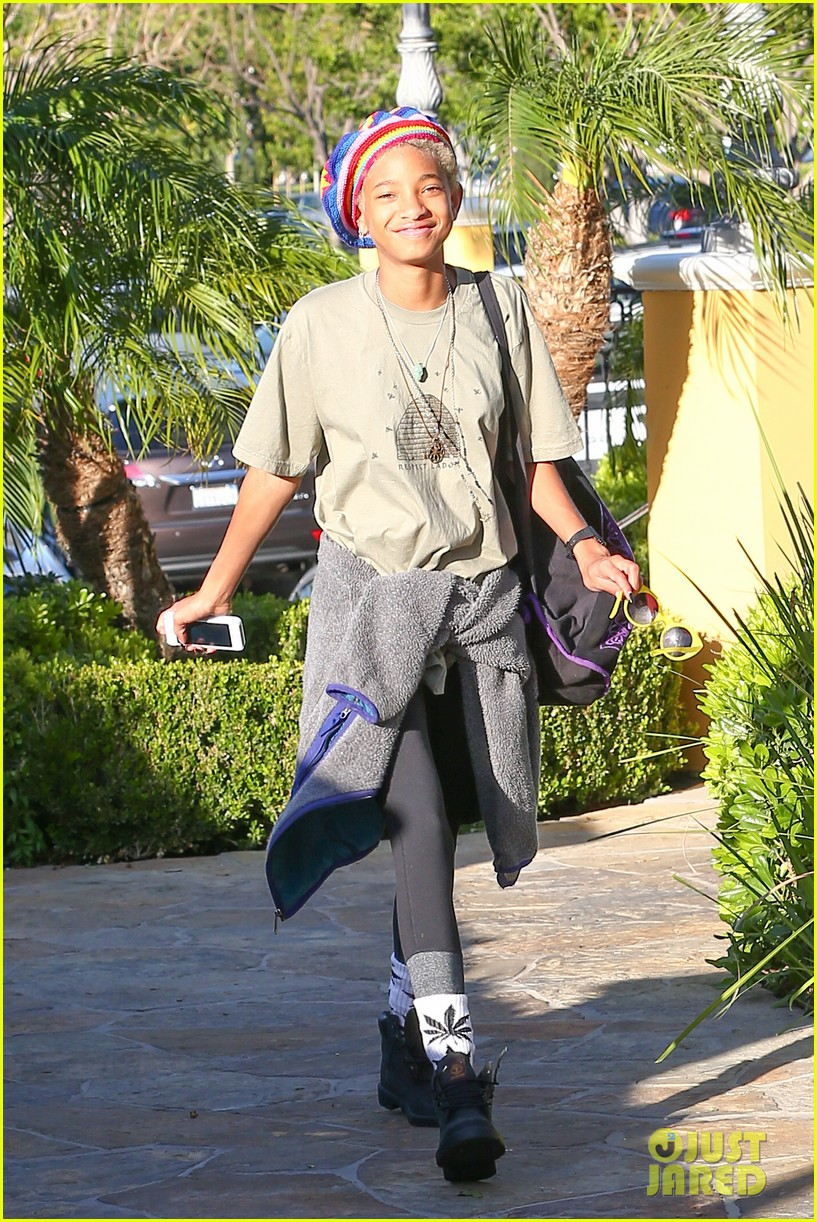 willow smith wears socks with marijuana leaf on the front 14