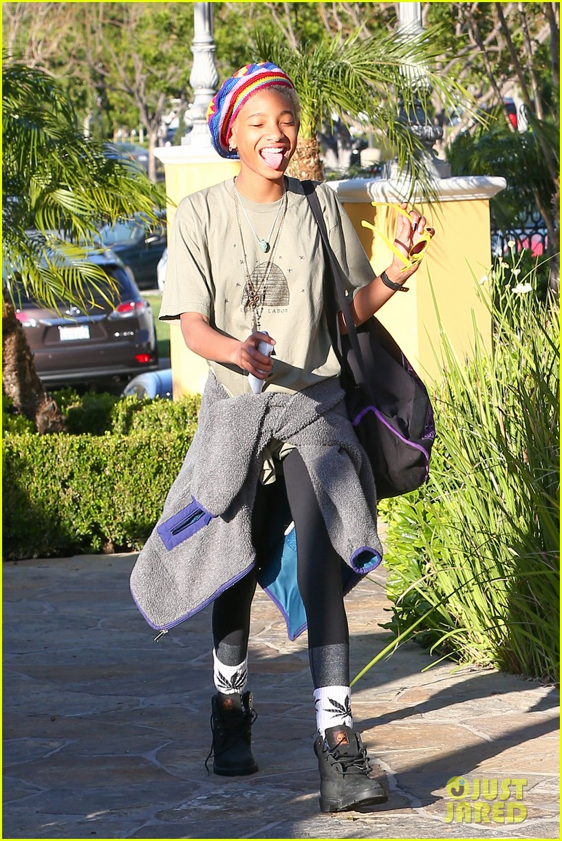 willow smith wears socks with marijuana leaf on the front 16
