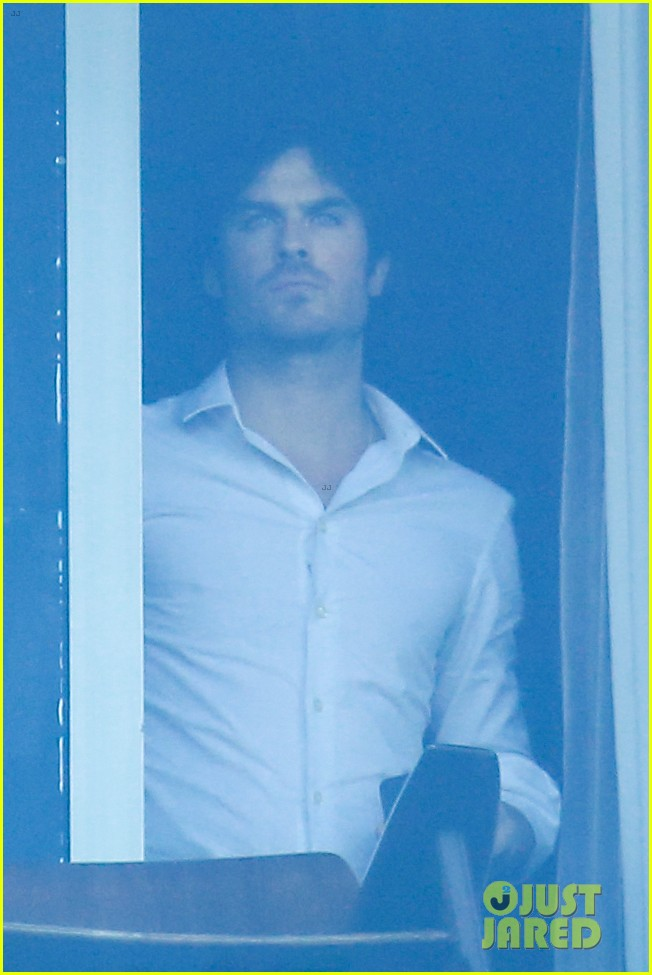 ian somerhalder blows kisses to fans from rio hotel balcony 04