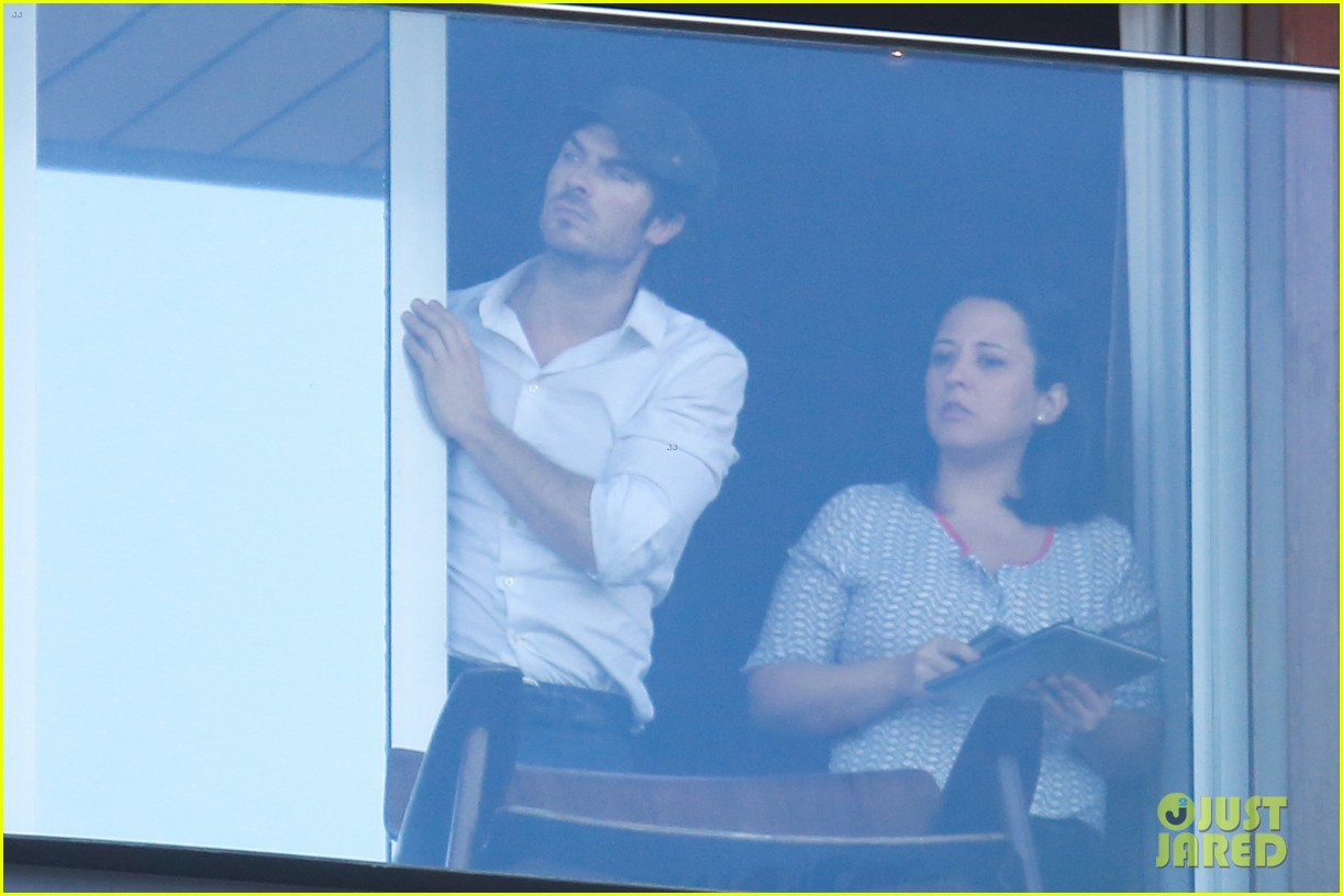 ian somerhalder blows kisses to fans from rio hotel balcony 11