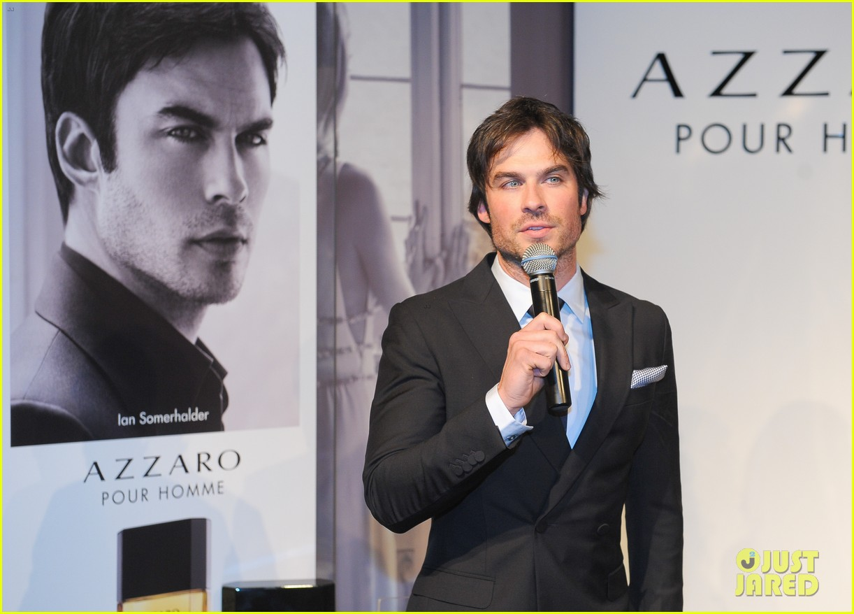 ian somerhalder looks super sexy in his suit and tie 263113781