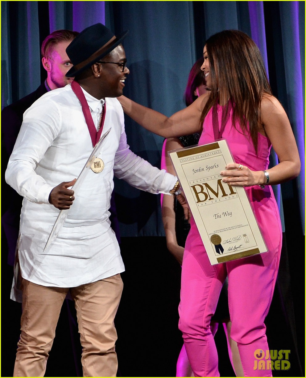 jordin sparks shakira more celebrate on stage at the bmi music awards 2014 05