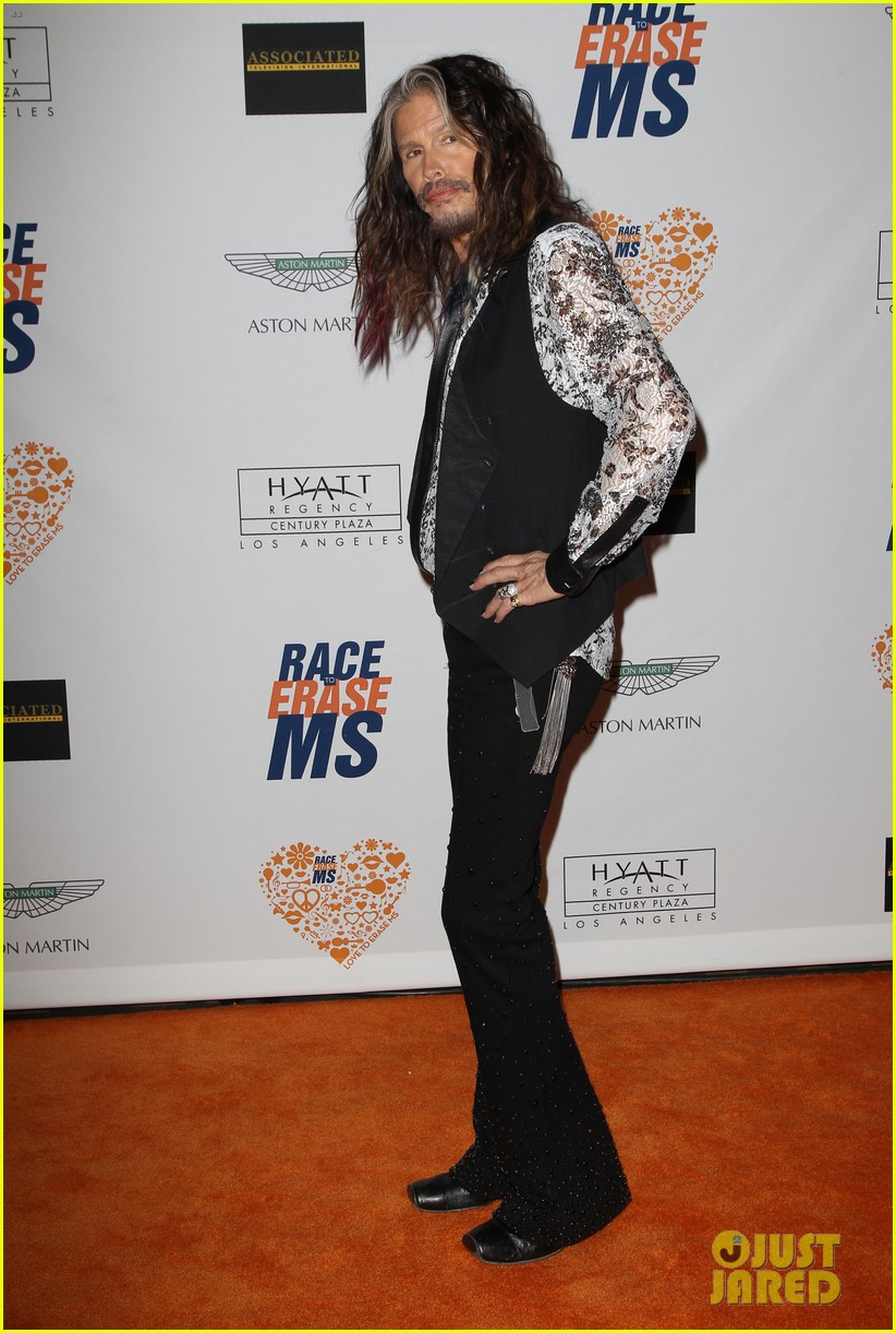 jordin sparks alessandra ambrosio come together to fight ms 21