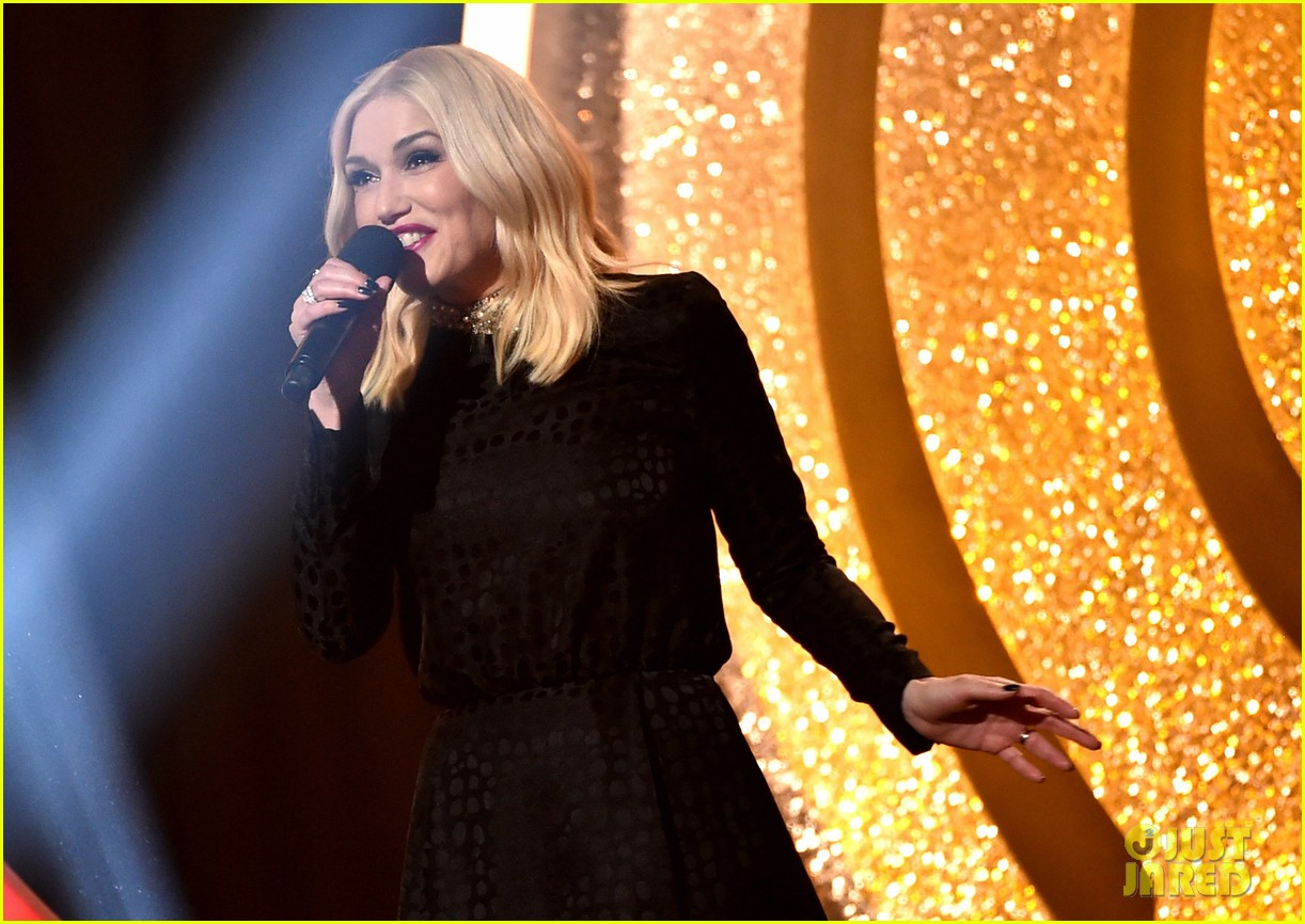 gwen stefani iheartradio music awards 2014 07
