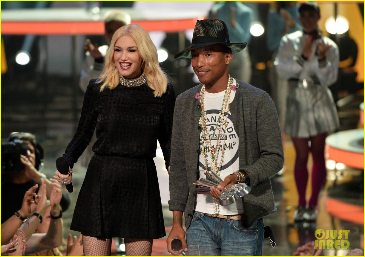 gwen stefani iheartradio music awards 2014 133103641
