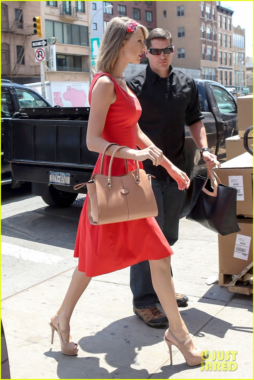 taylor swift red dress meredith met gown 153117485