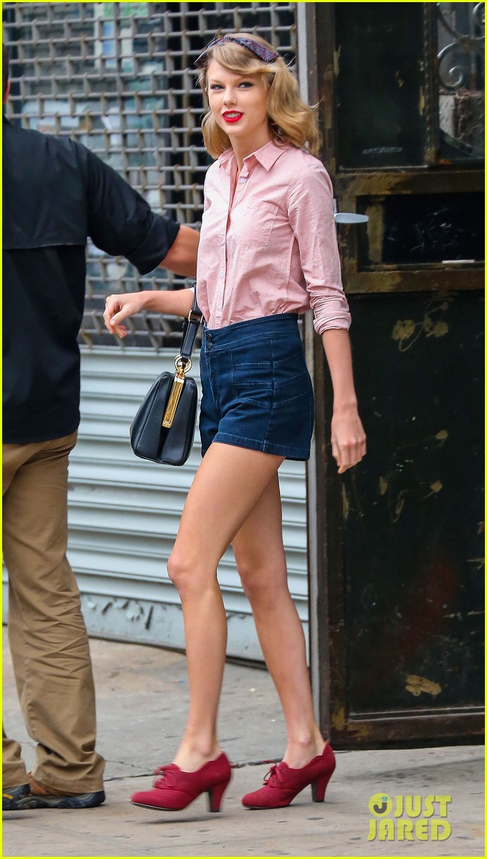 taylor swift works on her fitness with her brother austin 013114801