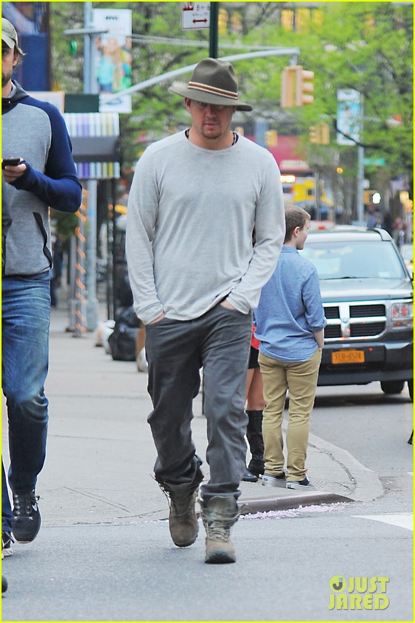 channing tatum hangs out in new york jenna dewan attends ae upfronts 073109101