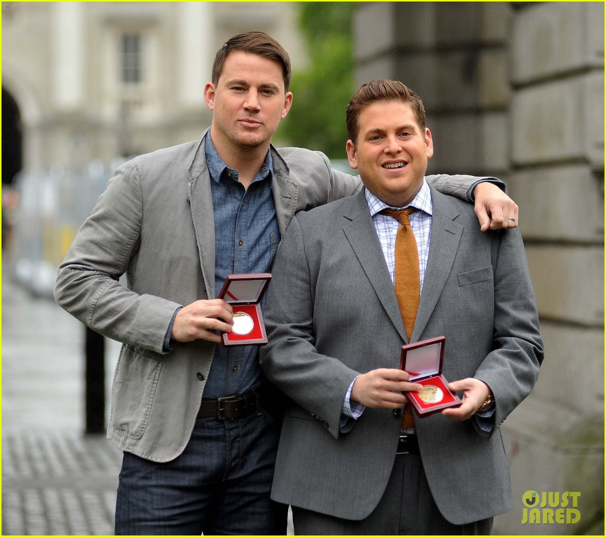 channing tatum jonah hill receive bram stoker awards from trinity college 113120578