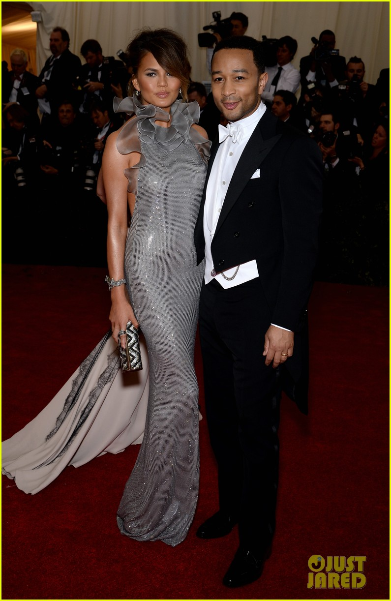 chrissy teigen keeps it classy with hubby john legend at met ball 2014 03