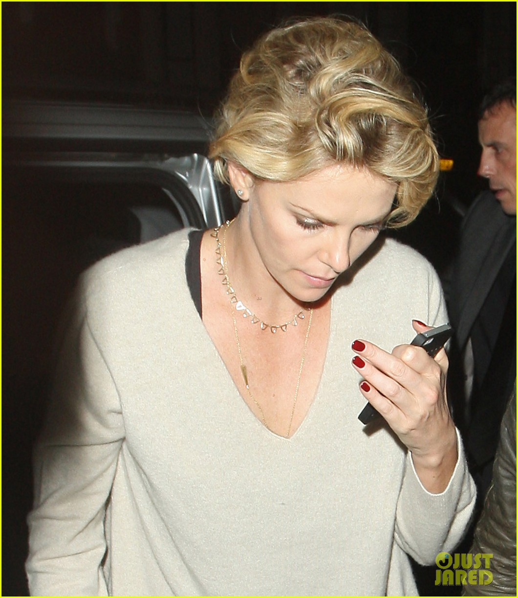 charlize theron call it a night after late night dinner in london 03