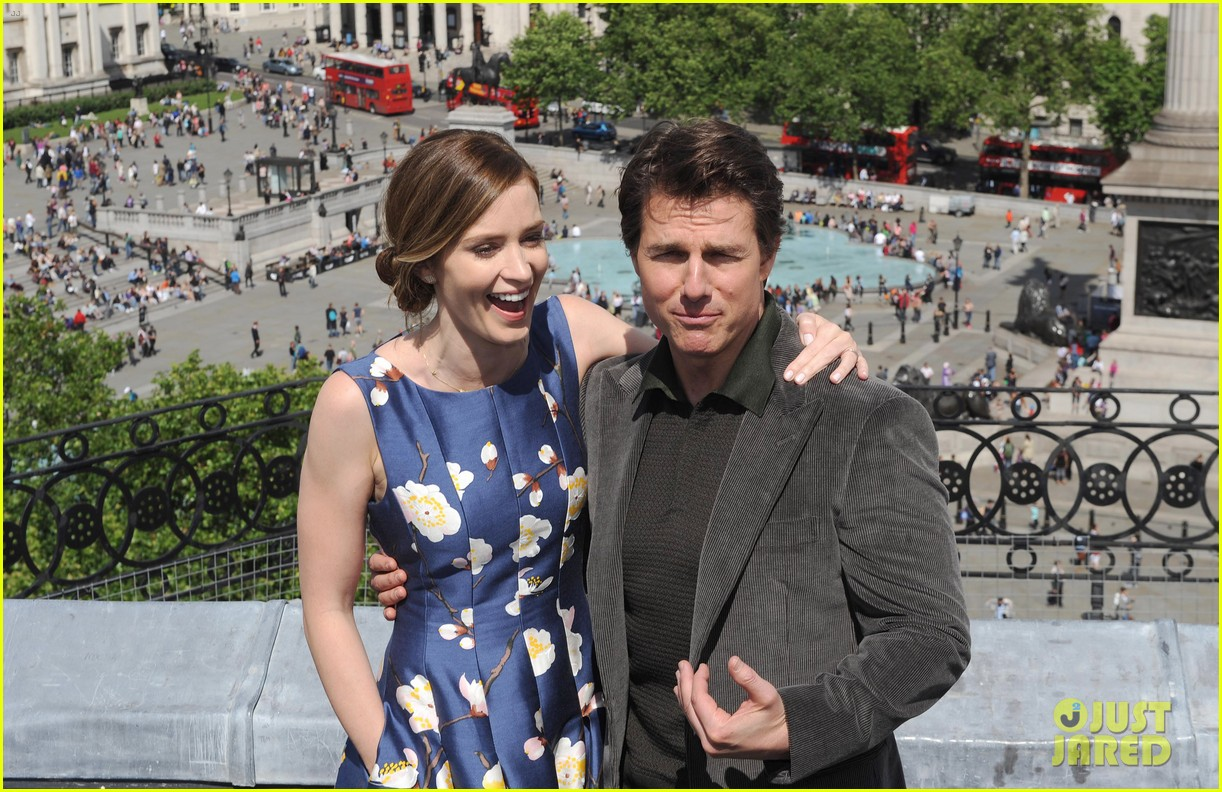 tom cruise emily blunt edge of tomorrow photo call 043122005