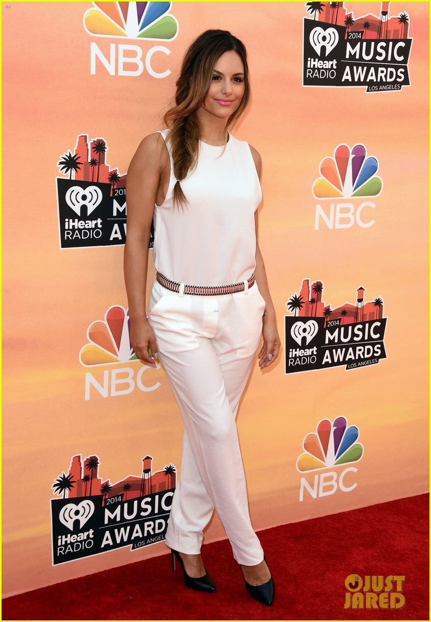 pia toscano bea miller iheartradio music awards 2014 11