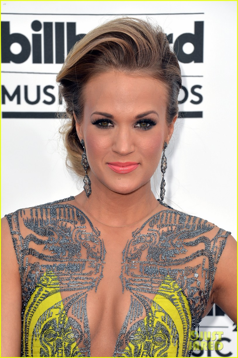 carrie underwood miranda lambert billboard music awards 2014 06