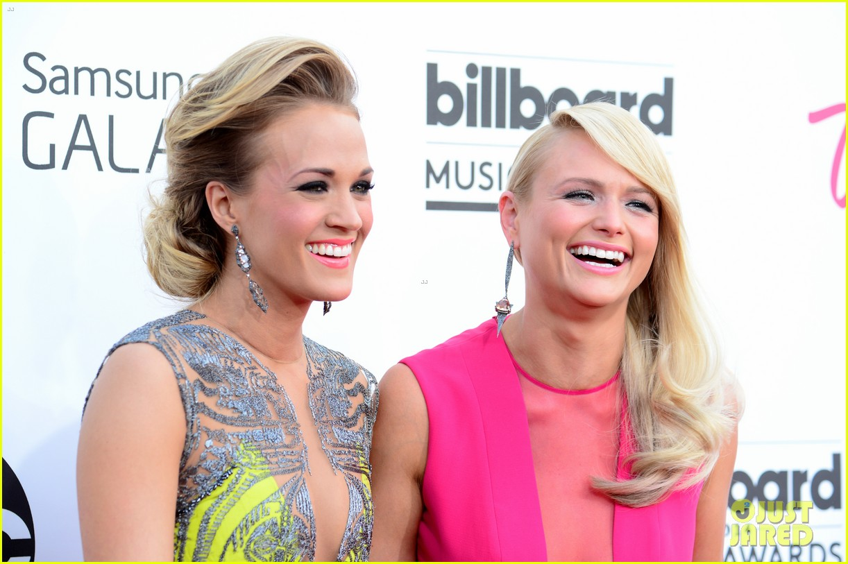 carrie underwood miranda lambert billboard music awards 2014 073116735