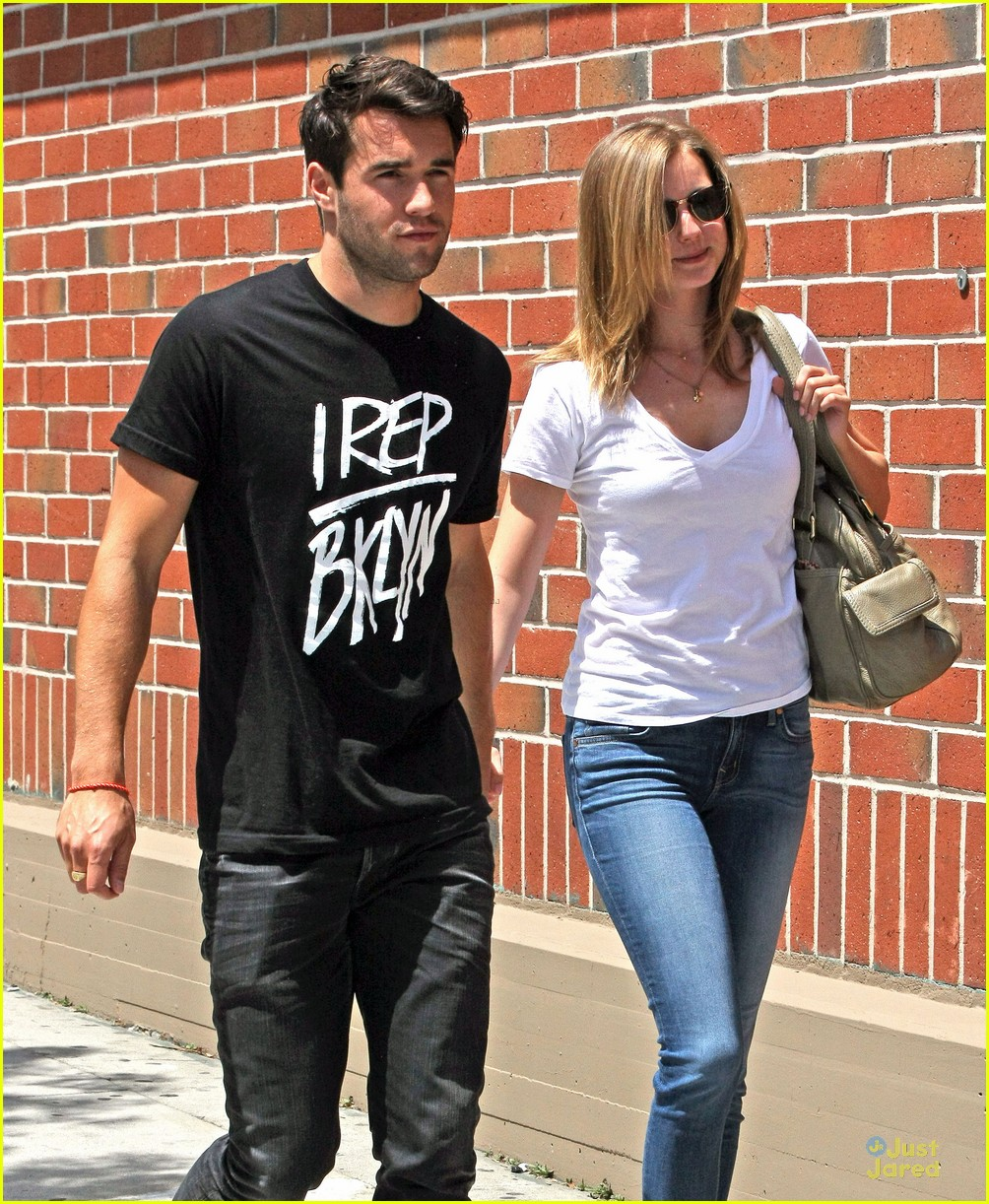 emily vancamp josh bowman get hair done together 023109876