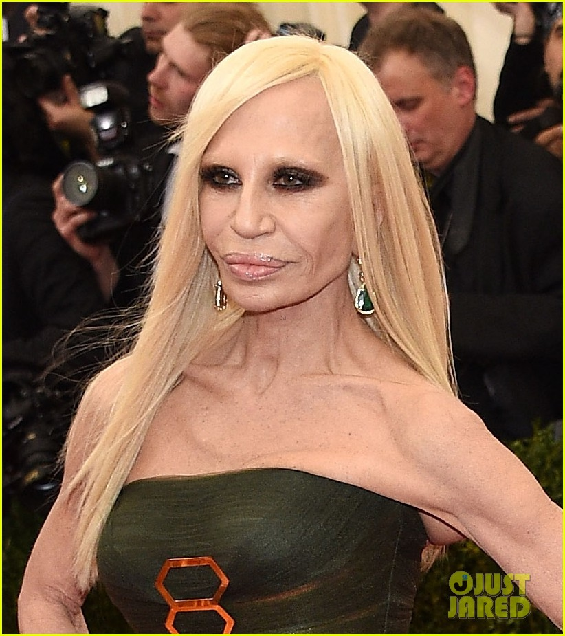 donatella versace met ball 2014 013106497