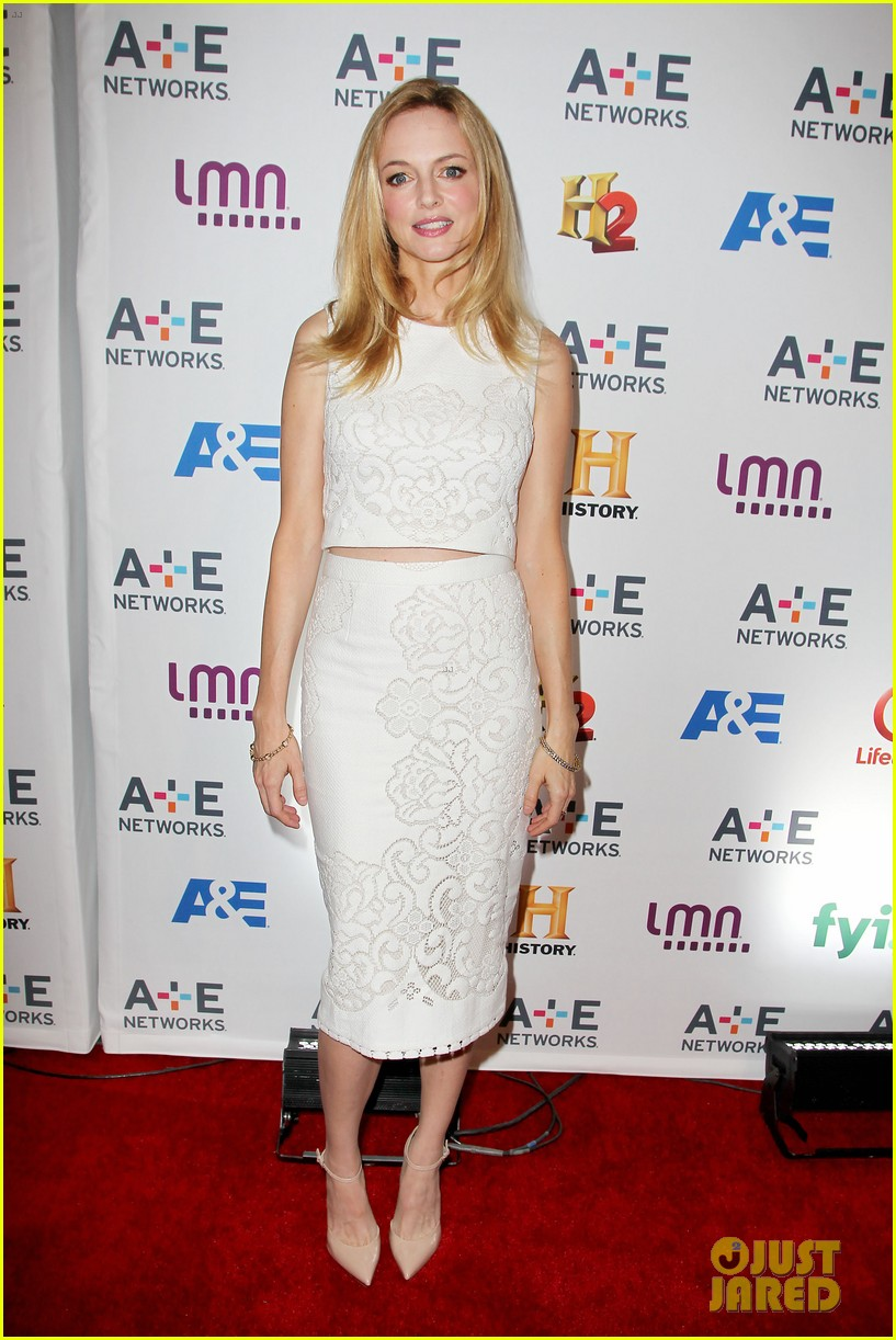 mark wahlberg heather graham buddy up at ae upfronts 01