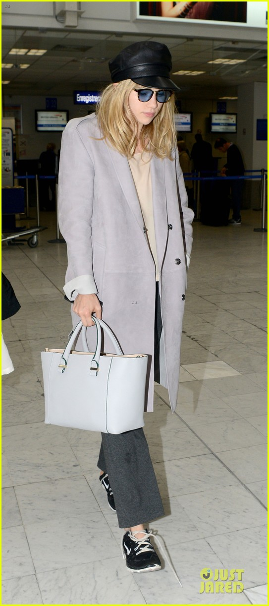 suki waterhouse jets out of france after cannes 013118608