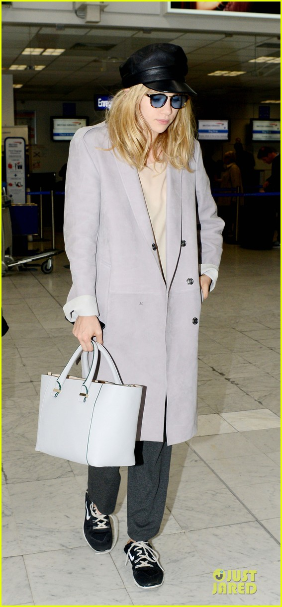 suki waterhouse jets out of france after cannes 053118612
