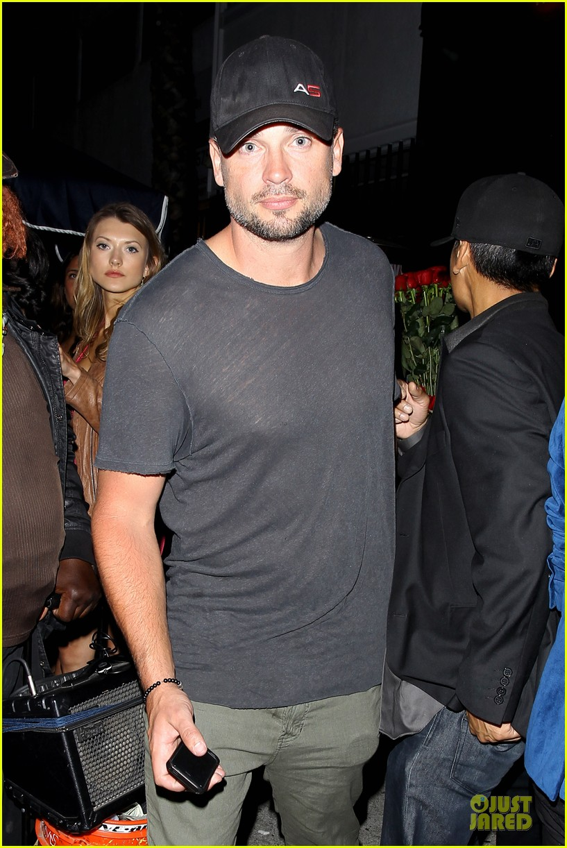 tom welling parties at warwick nightclub 02
