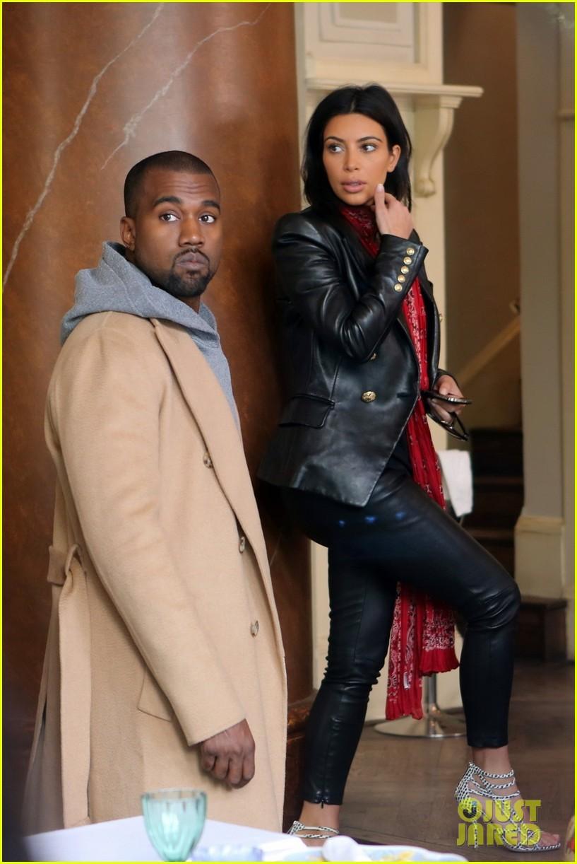 kim kardashian kanye west have romantic dinner 01