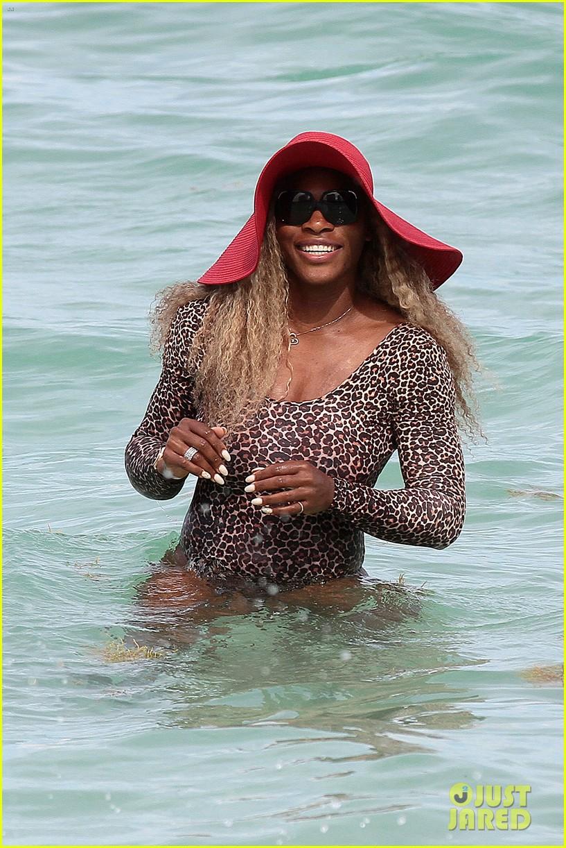 serena williams bootylicious beach caroline wozniacki 10